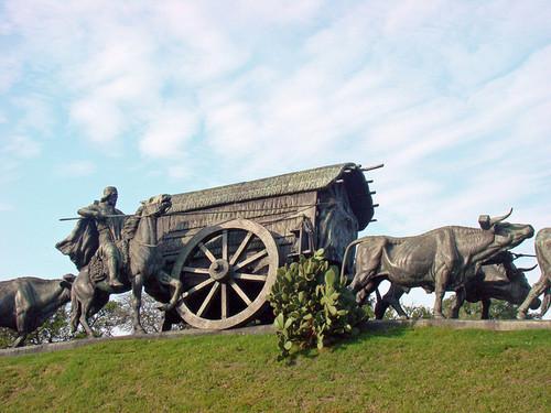 Monumento La Carreta de Bueyes. Montevideo